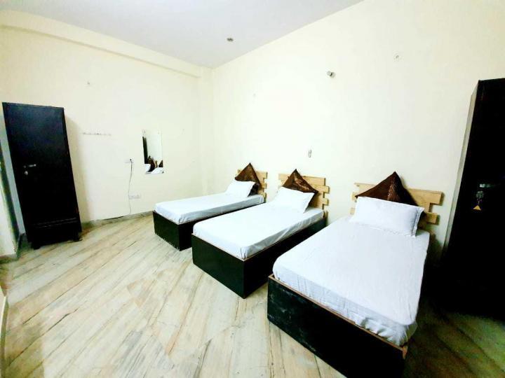 सेक्टर 47 में क्लाउड नौ रूम्स पीजी के बेडरूम की तस्वीर