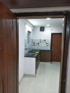 Gallery Cover Image of 1750 Sq.ft 3 BHK Apartment for rent in Madhapur for 28000
