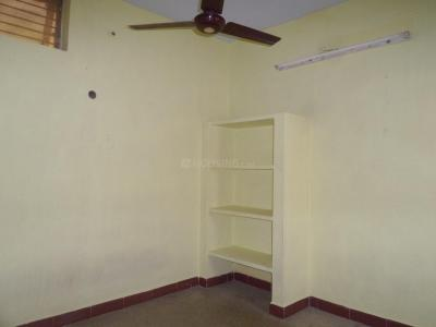 Gallery Cover Image of 350 Sq.ft 1 RK Apartment for rent in Velachery for 5000