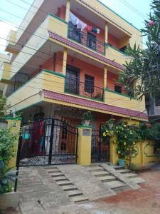 Gallery Cover Image of 3600 Sq.ft 9 BHK Independent House for buy in Aminpur for 25000000