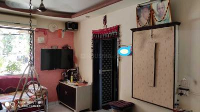Gallery Cover Image of 650 Sq.ft 1 BHK Apartment for rent in Borivali West for 18000