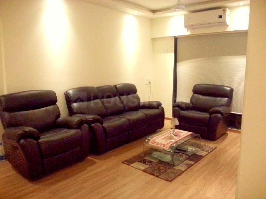 Living Room Image of 729 Sq.ft 2 BHK Apartment for rent in Bandra East for 75000