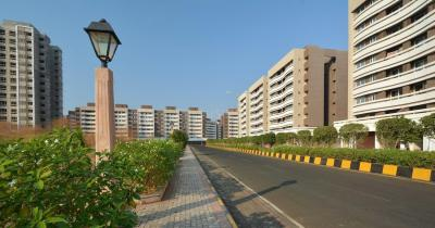 Gallery Cover Image of 542 Sq.ft 1 BHK Apartment for buy in Rustomjee Global City, Virar West for 2700000