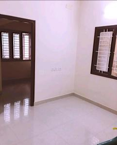 Gallery Cover Image of 1280 Sq.ft 2 BHK Apartment for rent in Pallavaram for 10500