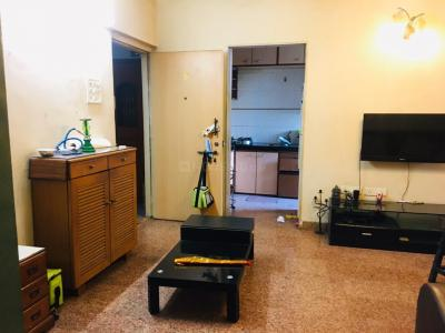Gallery Cover Image of 950 Sq.ft 2 BHK Apartment for rent in Malad West for 42000