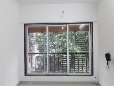 Gallery Cover Image of 350 Sq.ft 1 RK Apartment for buy in Malad West for 6500000