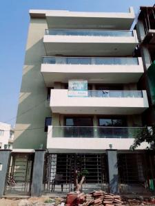 Gallery Cover Image of 2200 Sq.ft 3 BHK Independent Floor for buy in Sector 67 for 11520000
