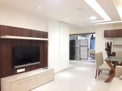Gallery Cover Image of 1200 Sq.ft 2 BHK Apartment for buy in Juhu for 50000000