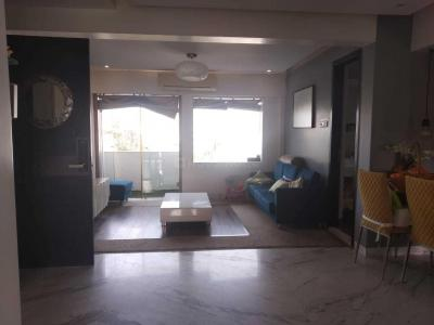 Gallery Cover Image of 900 Sq.ft 2 BHK Apartment for rent in Khar West for 95000