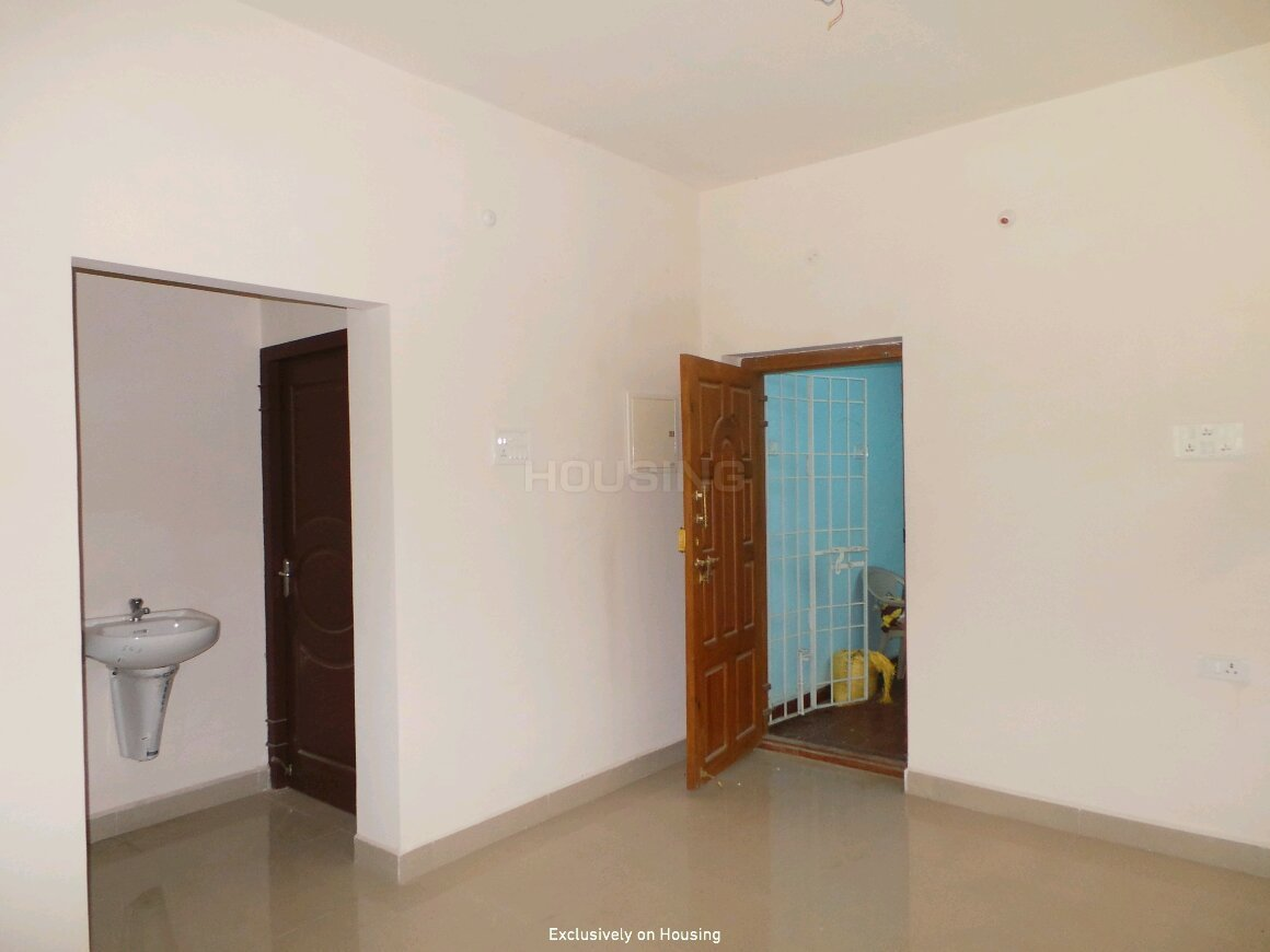 Living Room Image of 836 Sq.ft 2 BHK Apartment for buy in Pattabiram for 2591600