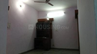 Gallery Cover Image of 900 Sq.ft 2 BHK Apartment for rent in Block KD, Dakshini Pitampura, Pitampura for 18000