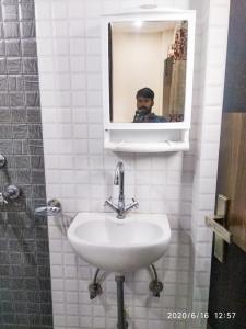 Common Bathroom Image of Suncity Paying Guest in Sector 54