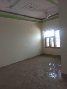 Gallery Cover Image of 1710 Sq.ft 3 BHK Independent Floor for rent in Sector 73 for 9500