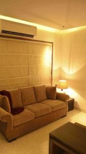 Gallery Cover Image of 1600 Sq.ft 3 BHK Apartment for buy in Bandra West for 47000000
