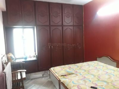 Gallery Cover Image of 1050 Sq.ft 2 BHK Apartment for buy in Krishna Nagar for 4500000