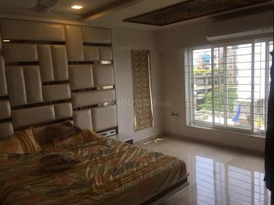 Gallery Cover Image of 1150 Sq.ft 3 BHK Apartment for rent in S Raheja Hari Bhavan, Khar West for 130000