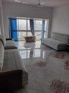 Gallery Cover Image of 2000 Sq.ft 3 BHK Apartment for rent in Bhowanipore for 80000