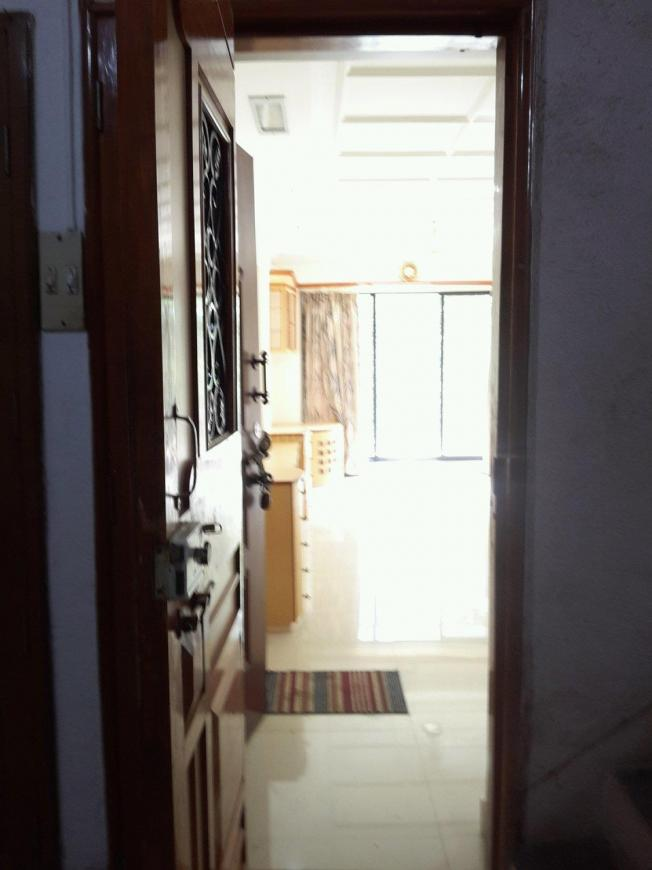 Main Entrance Image of 830 Sq.ft 2 BHK Apartment for rent in Thane West for 24000