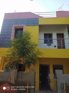 Gallery Cover Image of 600 Sq.ft 2 BHK Independent Floor for rent in Kattankulathur for 8000