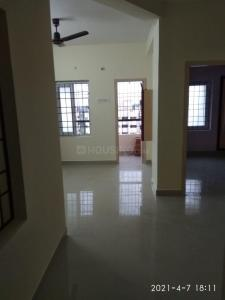Gallery Cover Image of 1000 Sq.ft 2 BHK Apartment for rent in TNHB LIG Flats, Sholinganallur for 22000