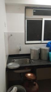 Gallery Cover Image of 500 Sq.ft 1 BHK Apartment for rent in Matunga West for 45000