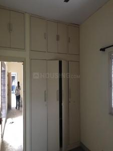 Gallery Cover Image of 1200 Sq.ft 2 BHK Apartment for rent in Sector 3 Rohini for 22000