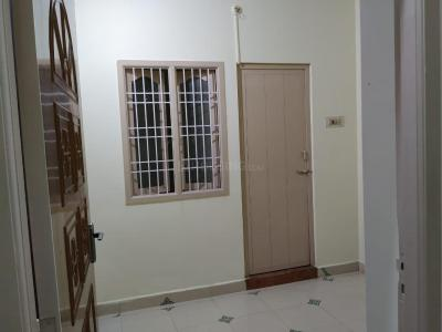 Gallery Cover Image of 650 Sq.ft 2 BHK Independent House for rent in Sithalapakkam for 8500