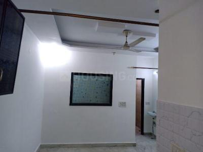 Gallery Cover Image of 600 Sq.ft 1 BHK Independent Floor for rent in  Shalimar Bagh BH West Block RWA, Shalimar Bagh for 15000