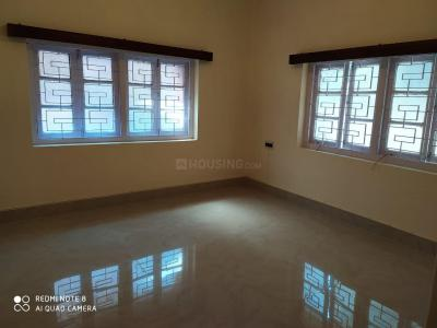 Gallery Cover Image of 1100 Sq.ft 2 BHK Independent Floor for rent in Lake Gardens for 25000