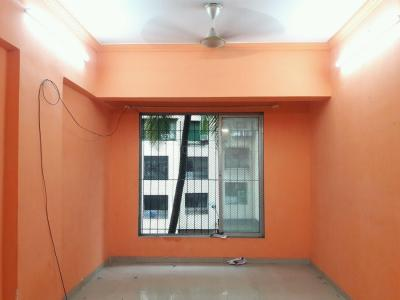 Gallery Cover Image of 900 Sq.ft 2 BHK Apartment for buy in Malad West for 13500000