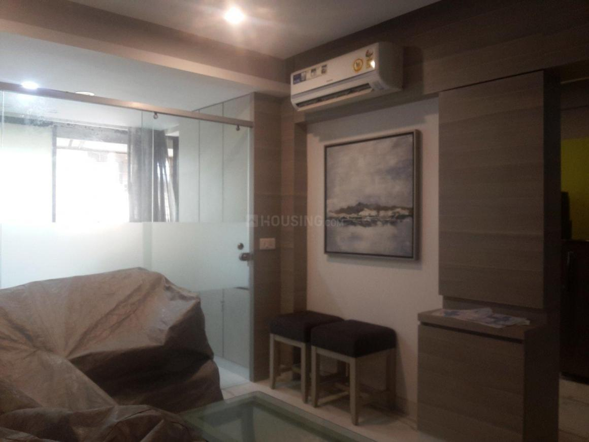 Living Room Image of 650 Sq.ft 1 BHK Apartment for rent in Worli for 90000
