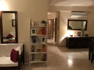 Gallery Cover Image of 1280 Sq.ft 3 BHK Apartment for rent in Marine Lines for 75000
