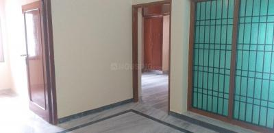 Gallery Cover Image of 750 Sq.ft 1 BHK Apartment for rent in Velachery for 14000