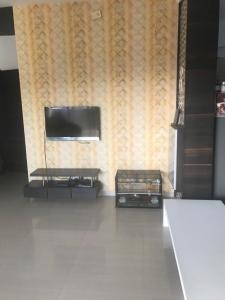 Hall Image of 1305 Sq.ft 2 BHK Apartment for buy in Science City for 8700000