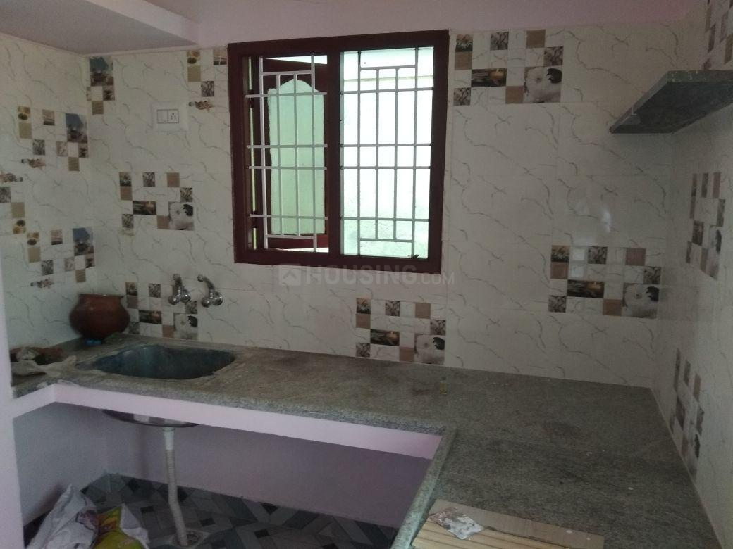 Kitchen Image of 625 Sq.ft 1 BHK Independent House for buy in Maraimalai Nagar for 3100000