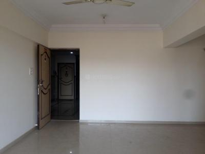 Gallery Cover Image of 1280 Sq.ft 3 BHK Apartment for rent in Kandivali East for 32000
