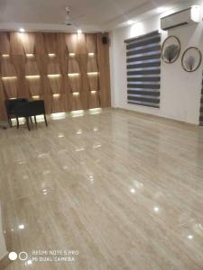 Gallery Cover Image of 2700 Sq.ft 4 BHK Independent Floor for buy in Aadhar D - 14/20 Ardee City, Sector 52 for 14000000