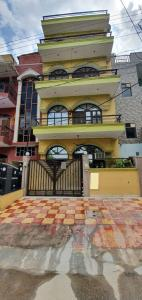 Gallery Cover Image of 800 Sq.ft 1 BHK Independent House for rent in Sector 46 for 17000