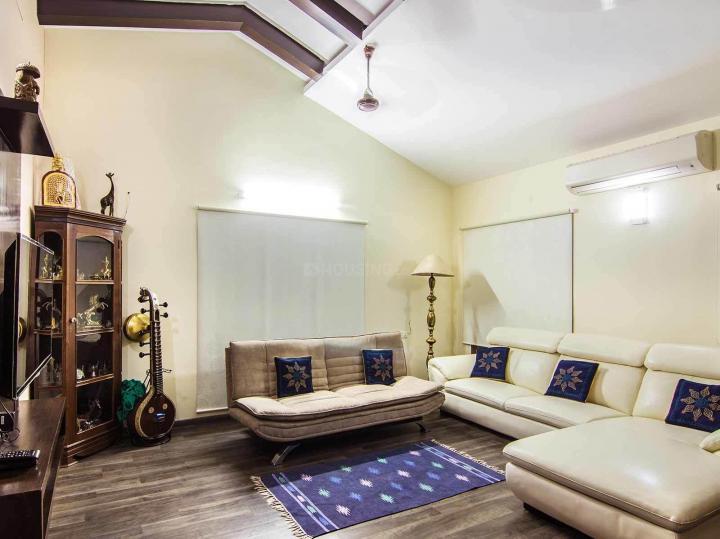 करापक्कम में ज़ोलो पद्मालय के लिविंग रूम की तस्वीर
