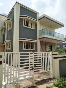 Gallery Cover Image of 4050 Sq.ft 6 BHK Independent House for buy in Ghuma for 17500000