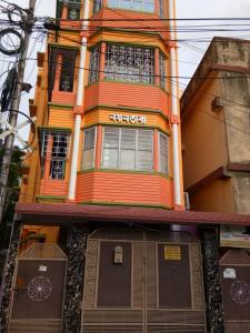 Gallery Cover Image of 800 Sq.ft 2 BHK Independent Floor for rent in Beliaghata for 22000