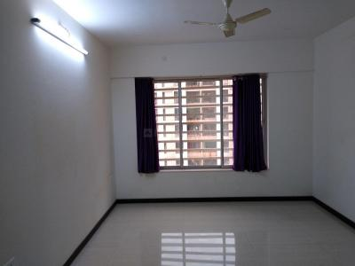 Gallery Cover Image of 950 Sq.ft 2 BHK Apartment for rent in Kasarvadavali, Thane West for 33000