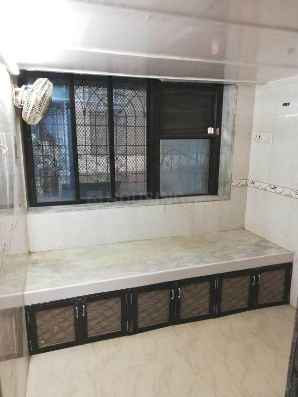 Bedroom Image of 300 Sq.ft 1 RK Apartment for rent in Byculla for 20000