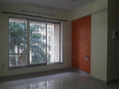 Gallery Cover Image of 845 Sq.ft 2 BHK Apartment for rent in Kandivali East for 28000