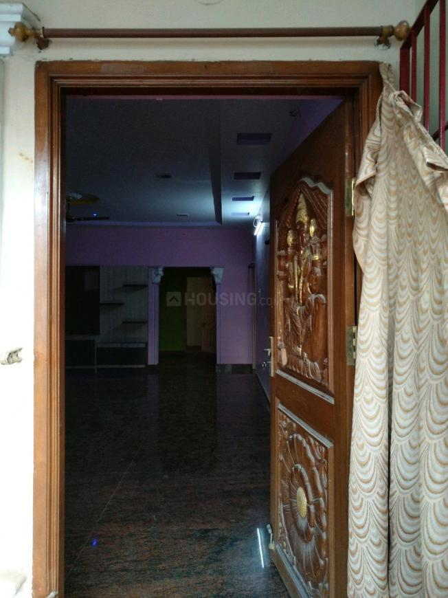 Main Entrance Image of 1800 Sq.ft 3 BHK Independent Floor for rent in Kolathur for 20000