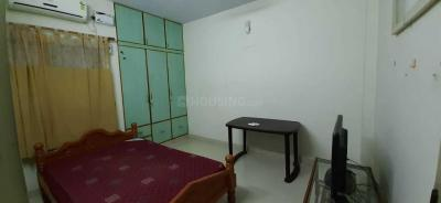 Gallery Cover Image of 1360 Sq.ft 3 BHK Apartment for rent in Velachery for 27000