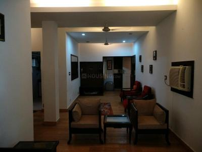 Gallery Cover Image of 1450 Sq.ft 3 BHK Apartment for rent in Vasant Kunj for 50000