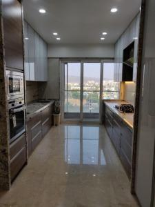Gallery Cover Image of 2000 Sq.ft 3 BHK Apartment for rent in Kharghar for 52000