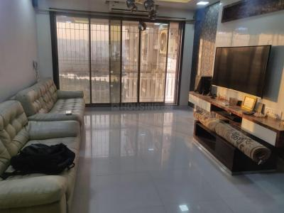 Gallery Cover Image of 1500 Sq.ft 3 BHK Apartment for rent in Ready Money Compound, Byculla for 75000