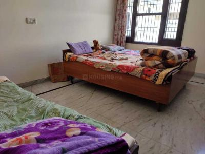 Bedroom Image of Girls PG in Sector 60